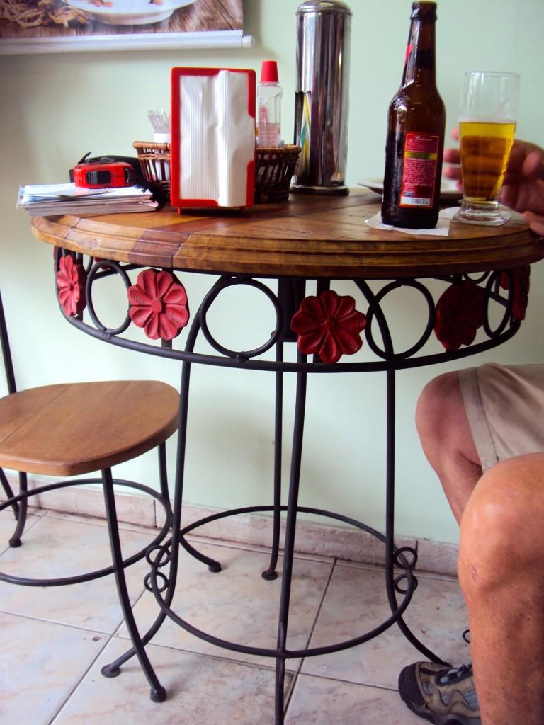 Conjunto de mesa com cadeiras MF16