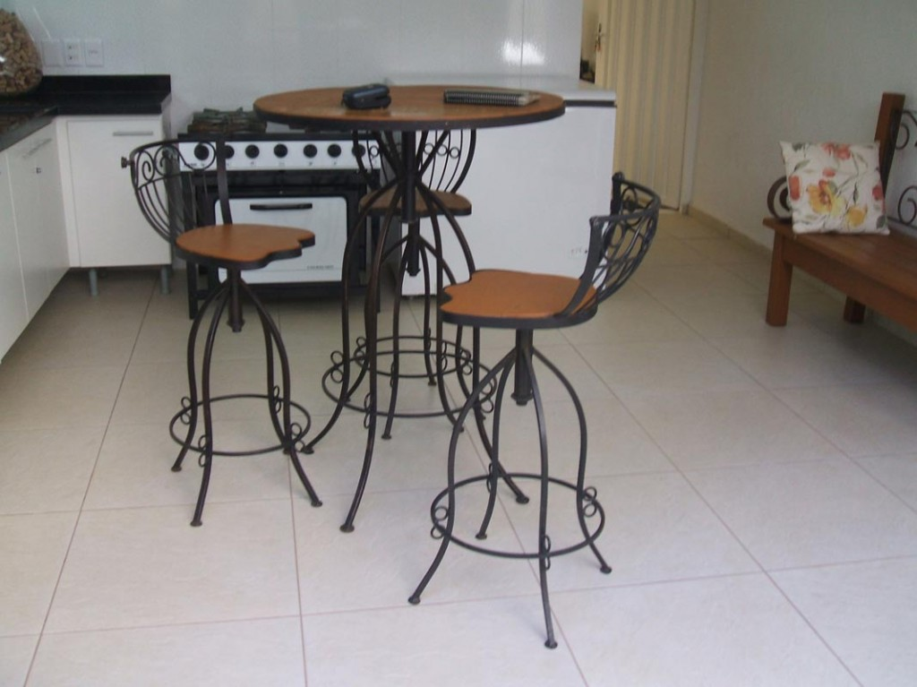 Conjunto mesa com cadeiras MF19